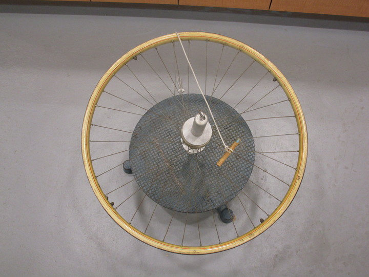 1q4030_rotating_platform_and_bicycle_wheel