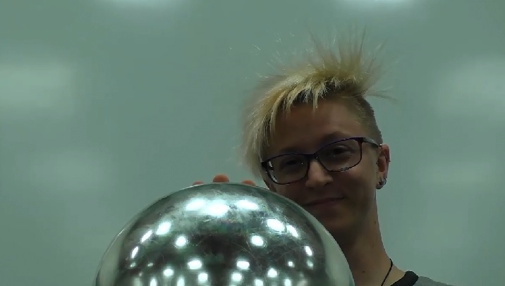 5b1010 hair_on_end_2